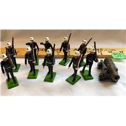 GR OF 10, LEAD TOY SOLDIERS WITH CANNON - BRITAIN