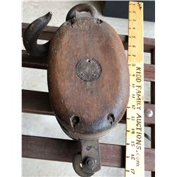 WESTERN BLOCK CO. WOODEN PULLEY - NY