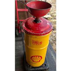 SHELL OIL PAIL WITH DRAIN