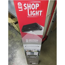 New LED Shop Light 5200 lumens / manual or auto modes / plugs in and
