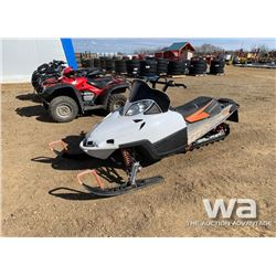 2006 ARCTIC CAT M5 SNOWMOBILE