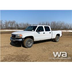 2005 GMC SIERRA PICKUP