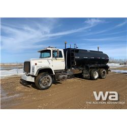1990 FORD L8000 T/A WATER TRUCK