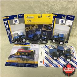 Tray Lot: 4  New Holland Tractors & Baler (Scale: 1/64)
