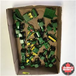 Tray Lot: Variety of John Deere 1/64 Tractors & Implements (Scale: 1/64)