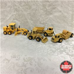 Construction Combo: Cat Loader, Cat Earth Moving Equipment, (Scale: 1/50)