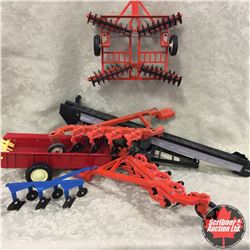 Tray Lot: Variety of Implements (Discer, Plows, Conveyor, Manure Spreader, etc) (Scale: 1/16)