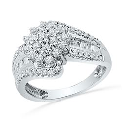0.96 CTW Diamond Cluster Ring 10KT White Gold - REF-82N4F