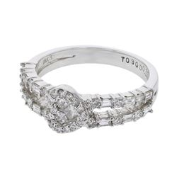 0.80 CTW Diamond Ring 18K White Gold - REF-84K2W