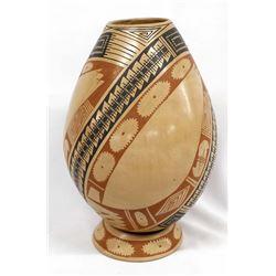 Mata Ortiz Pottery Jar w/ Matching Pottery Stand