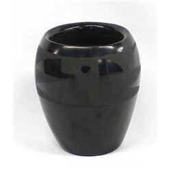 Santa Clara Black Etched Pot