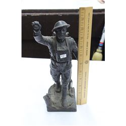 Statue of 'Spirit of the American Doughboy' copyrighted by E.M. Viquesney - Sculptor