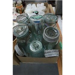 Box w/Green Wire top Sealers, 1 Screw Top (Green), 1 Crown Pint (Green) & Extra Porcelain Lids