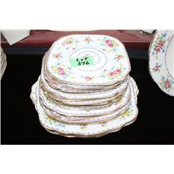 Royal Albert 'Petite Point' 18 Plates (Varying Sizes)