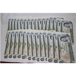 Canada Dollar Bills (29)