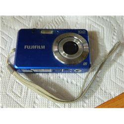 CAMERA - DIGITAL -  FUJI - no battery