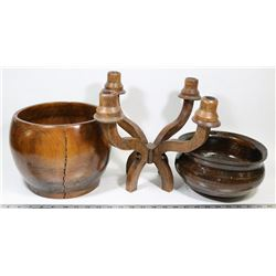 2 VINTAGE BOWLS WITH WOOD CANDELABRA
