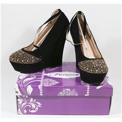 FOREVER BLACK LADY'S SIZE 7  SHOES STYLE