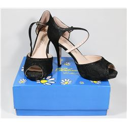 DE BLOSSOM COLLECTION BLACK SIZE 7.5 LADIES SHOES
