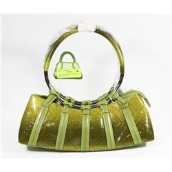 GREEN SNAKESKIN STYLE METAL RING HAND BAG