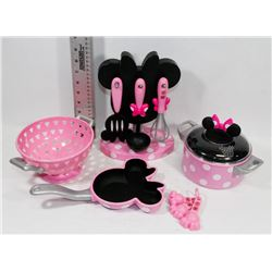 10PC DISNEY MINNIE MOUSE COOKING SET