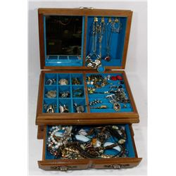 ESTATE JEWELRY BOX WITH CONTENTS