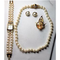 18)  GOLD TONE, CLEAR CRYSTAL & PEARL