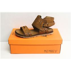 MIZ MOOZ NYC SZ 9 WHISKEY TIBBY LEATHER SANDALS