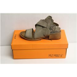 MIZ MOOZ NYC SZ 7.5 PEBBLE FIJI SANDALS
