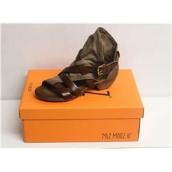 MIZ MOOZ NYC SZ 7.5 STONE CASSIDY LEATHER