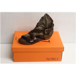 MIZ MOOZ NYC SZ 8.5 STONE CASSIDY LEATHER