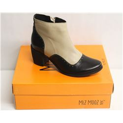 MIZ MOOZ NYC SZ 9 TWO-TONE LEATHER BOOTIE