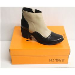 MIZ MOOZ NYC SZ 9.5 TWO-TONE LEATHER BOOTIE