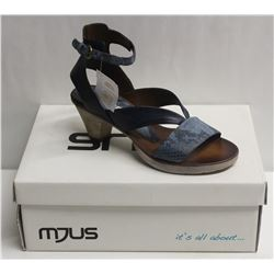 MJUS SZ 6 AIR BLU OPEN TOE HEELED SANDAL