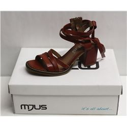 MJUS SZ 7.5 CANNELLA OPEN TOE HEELED SANDAL