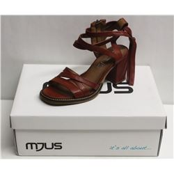 MJUS SZ 8.5 CANNELLA OPEN TOE HEELED SANDAL