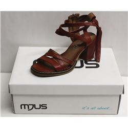 MJUS SZ 9 CANNELLA OPEN TOE HEELED SANDAL