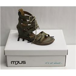MJUS SZ 7.5 SALVIA OPEN TOE WEDGE SANDALS