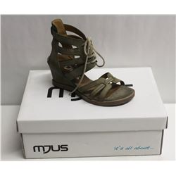 MJUS SZ 9 SALVIA OPEN TOE WEDGE SANDALS
