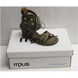 MJUS SZ 9.5 SALVIA OPEN TOE WEDGE SANDALS