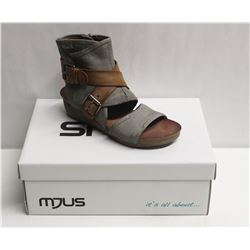 MJUS SZ 6.5 MEDUSA BISCOTTO OPEN TOE WEDGE BOOTIE
