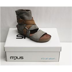 MJUS SZ 8.5 MEDUSA BISCOTTO OPEN TOE WEDGE BOOTIE