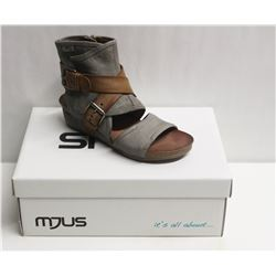 MJUS SZ 9 MEDUSA BISCOTTO OPEN TOE WEDGE BOOTIE