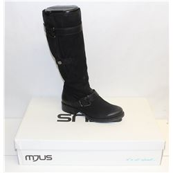 MJUS SZ 7.5 NERO KNEE HIGH HEELED BOOT