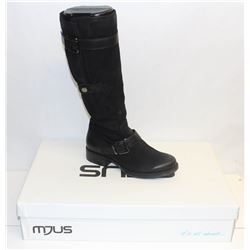 MJUS SZ 9.5 NERO KNEE HIGH HEELED BOOT