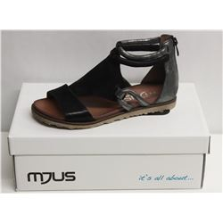 MJUS SZ 6.5 NERO MOUSE SANDALS