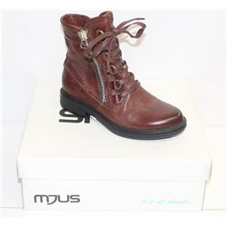 MJUS SZ 9.5 TOSCANO ANKLE BOOTS