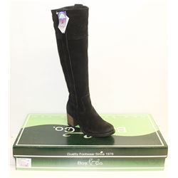 BOS. & CO. SZ 6.5 BLACK HORTON HEELED BOOTS