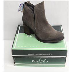 BOS. & CO. SZ 10 GREY BELFIELD HEELED ANKLE BOOTS