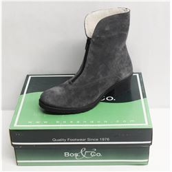 BOS. & CO. SZ 8.5 GREY BELLIN HEELED ANKLE BOOTS